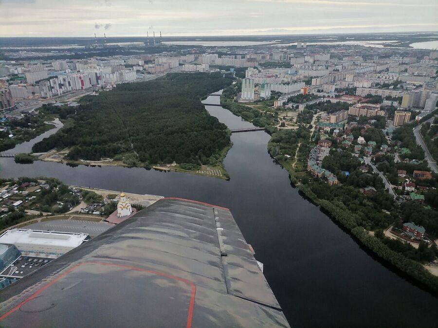 Вид на Сургут из самолета