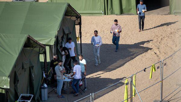 Лагерь мигрантов в городе Пабраде, Литва