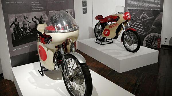 Выставка мотоциклов в музее Суздальского кремля