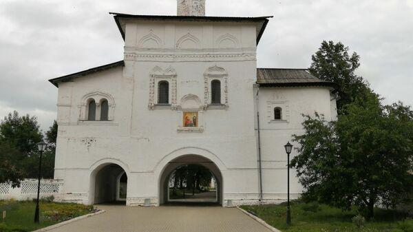 Суздаль. Благовещенская надвратная церковь Спасо-Ефимиева монастыря
