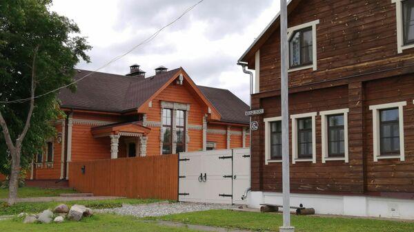 Суздаль. Жилые дома на улице Покровской