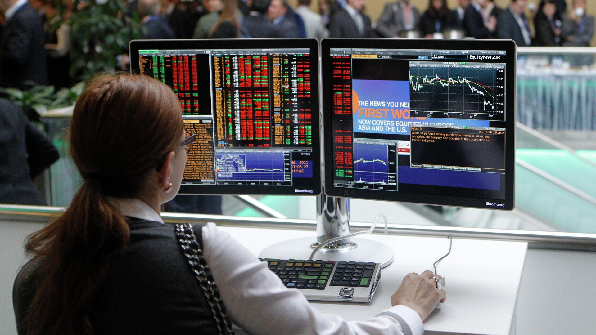 Эксперт объяснил, как повысить доход на бирже без лишних вложений