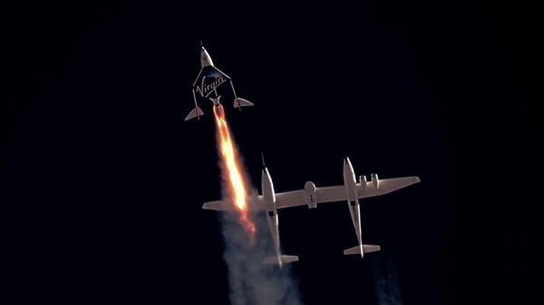 Стар космического корабля VSS Unity компании Virgin Galactic с Ричардом Брэнсоном на борту