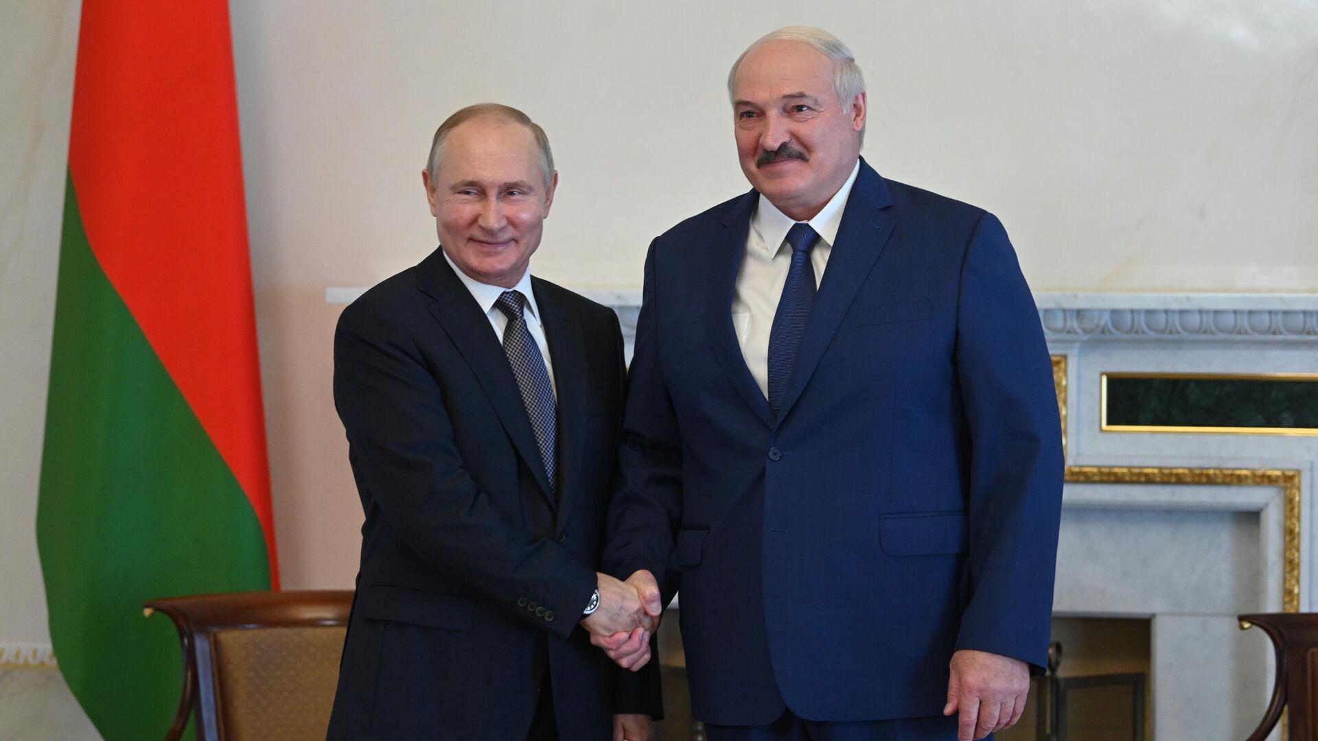 Путин рассказал, зачем пригласил Лукашенко в Москву