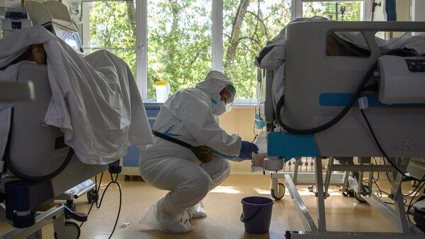 Мурашко объяснил, почему третья волна коронавируса более агрессивна