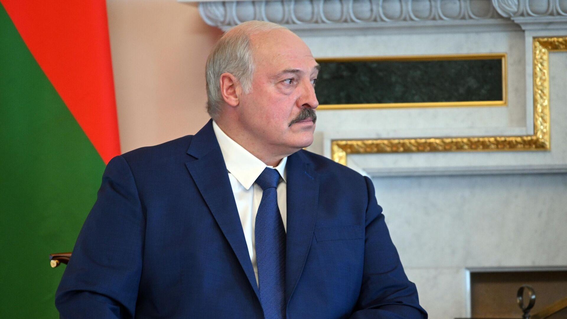 Президент Белоруссии Александр Лукашенко во время встречи с президентом РФ Владимиром Путиным - РИА Новости, 1920, 22.07.2021