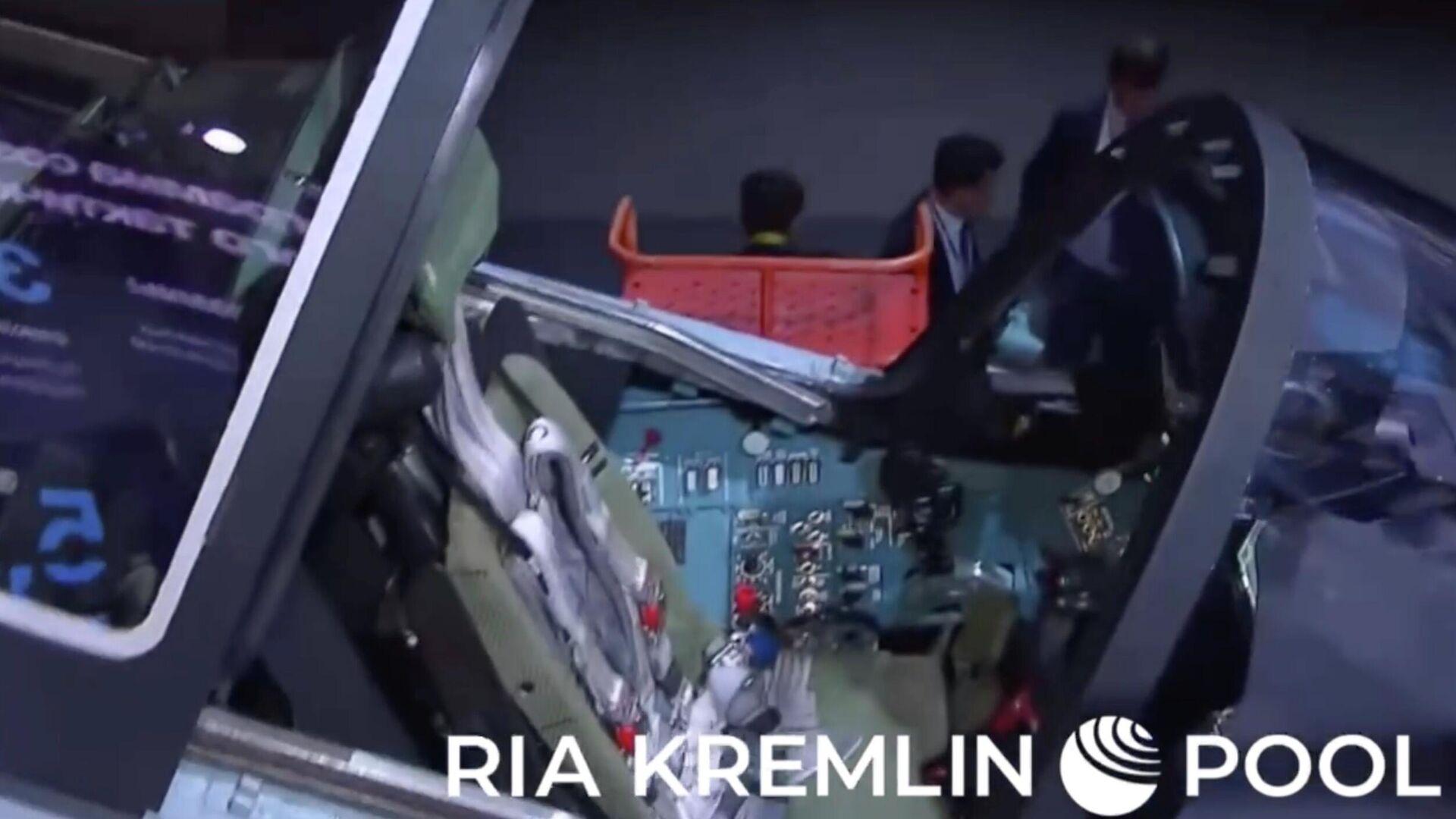 Новый истребитель Сухого Checkmate показали Путину - РИА Новости, 1920, 20.07.2021