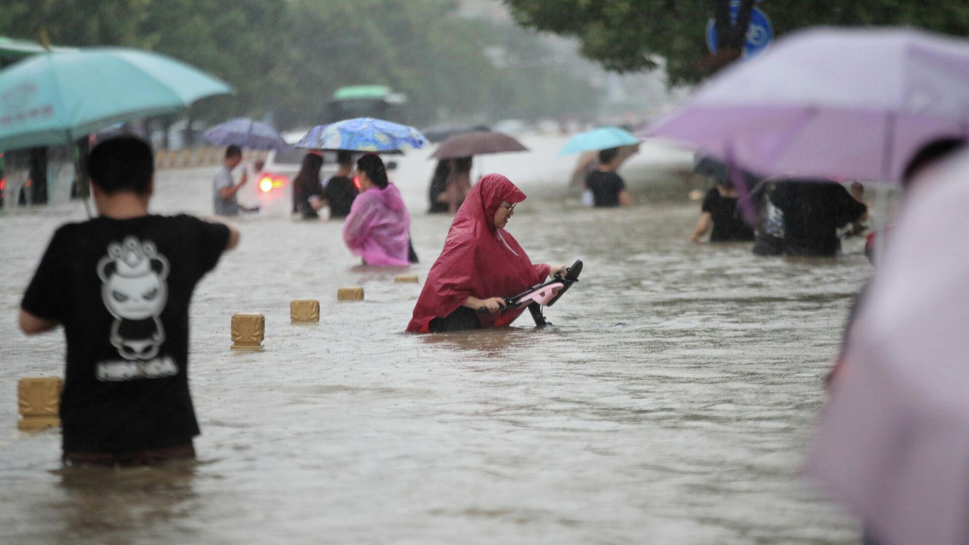 Российский город из-за дождя превратился в Венецию