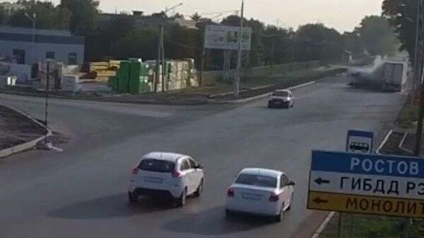 Столкновение маршрутки и грузовика в Ростовский области