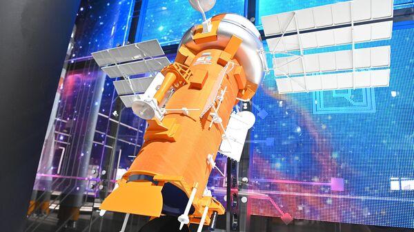 Макет космического аппарата Ресурс-ПМ на МАКС-2021