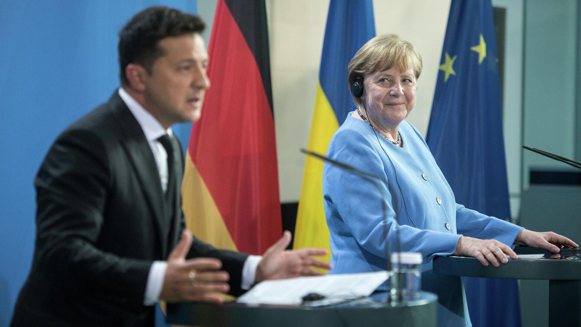 Меркель посетит Россию и Украину с разницей в два дня