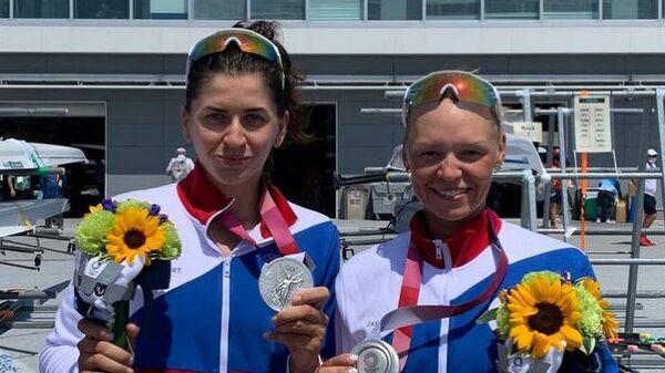Елена Орябинская и Василиса Степанова (слева направо)