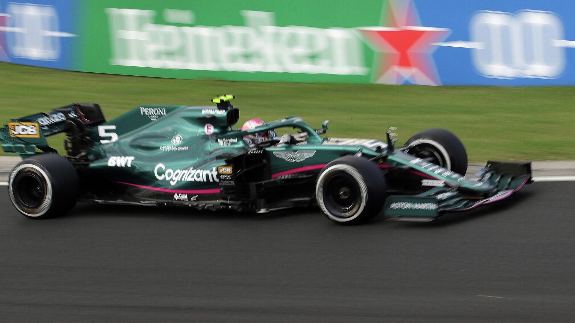 Formula One F1 - Hungarian Grand Prix - Hungaroring, Budapest, Hungary - August 1, 2021 Aston Martin's Sebastian Vettel in action REUTERS/Florion Goga - РИА Новости, 1920, 02.08.2021