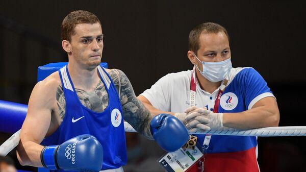 Российский боксер Глеб Бакши