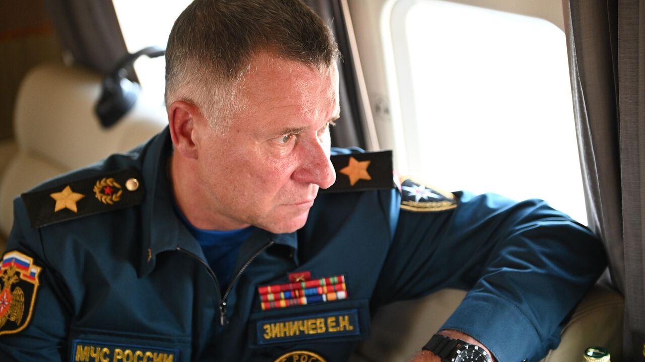 Путин поручил главе МЧС вылететь в Якутию