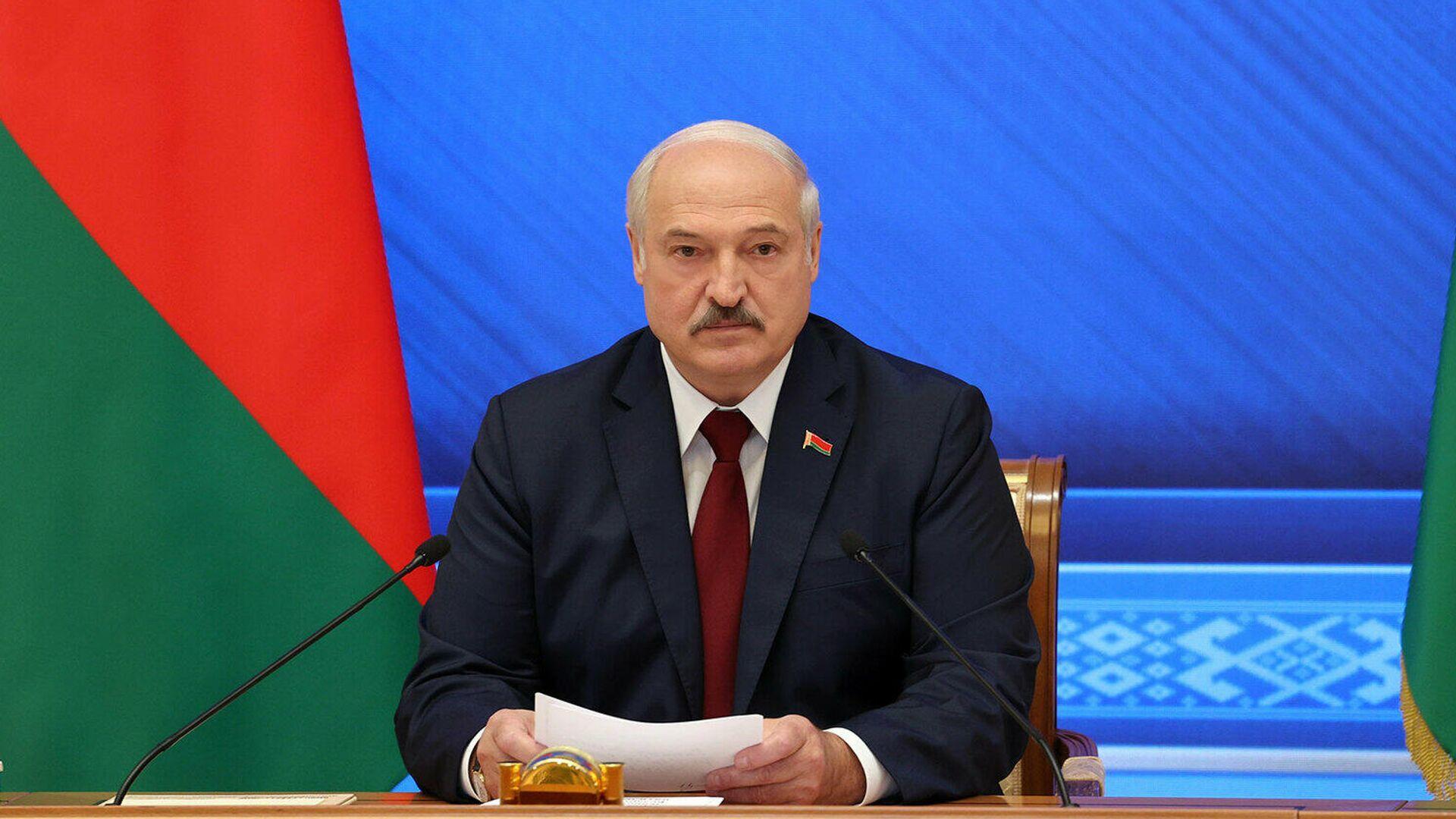 Президент Белоруссии Александр Лукашенко во время встречи Большой разговор с Президентом - РИА Новости, 1920, 09.09.2021