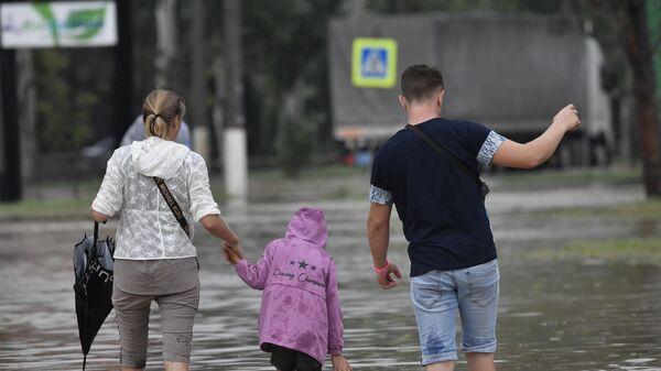 В Краснодарском крае более ста тысяч человек остались без света