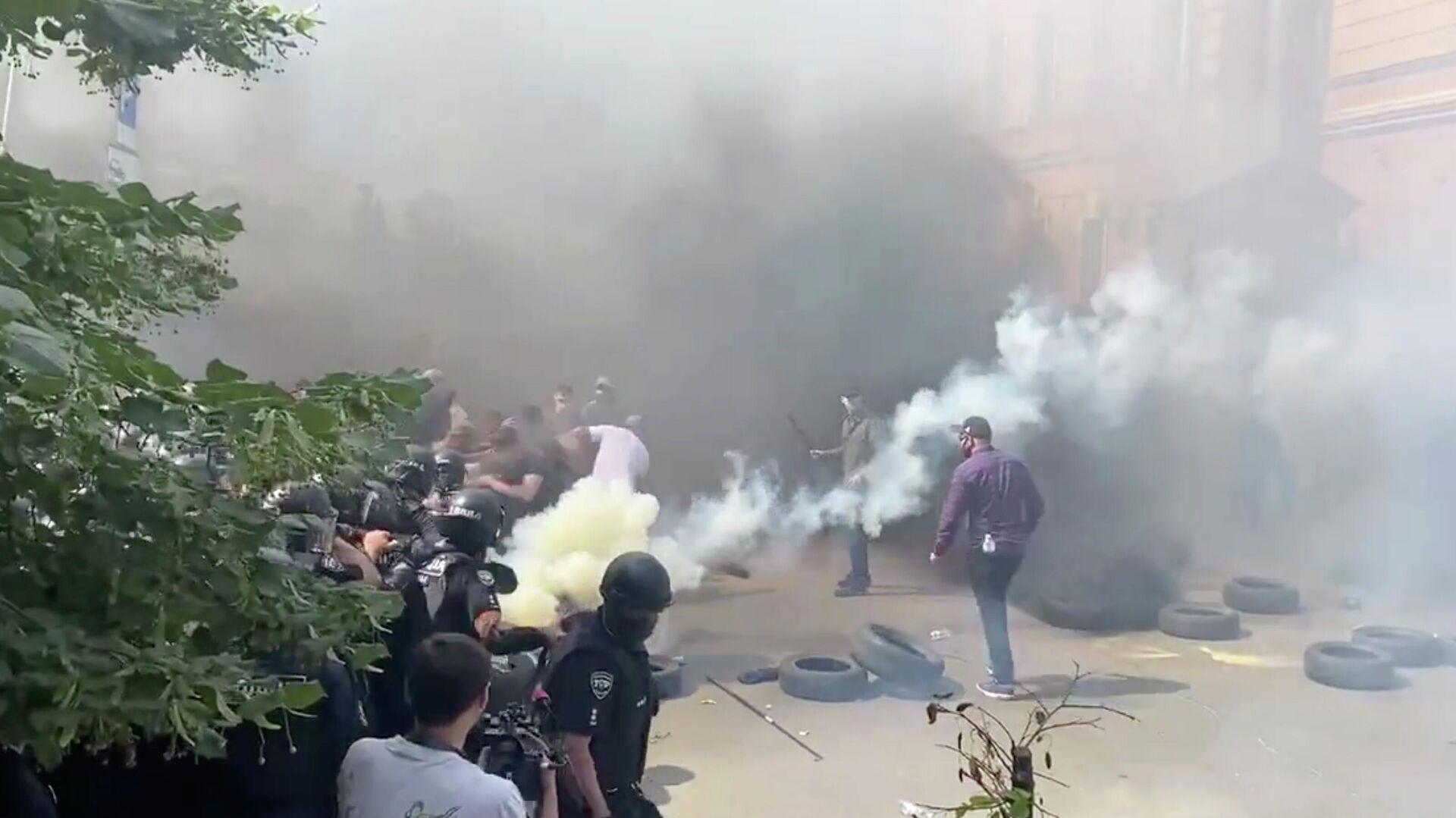 Ситуация с акцией националистов у офиса Зеленского стабилизировалась