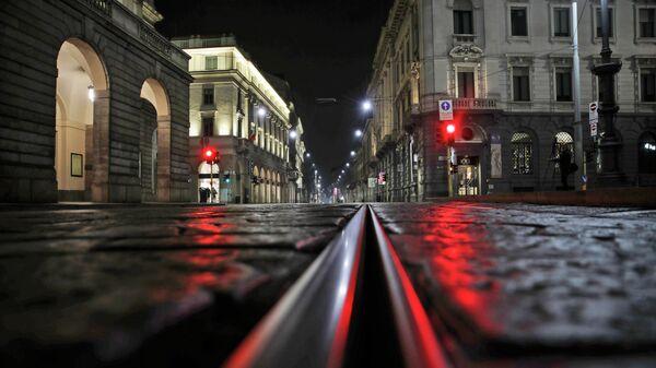 Улица перед оперным театром Ла Скала в Милане, Италия