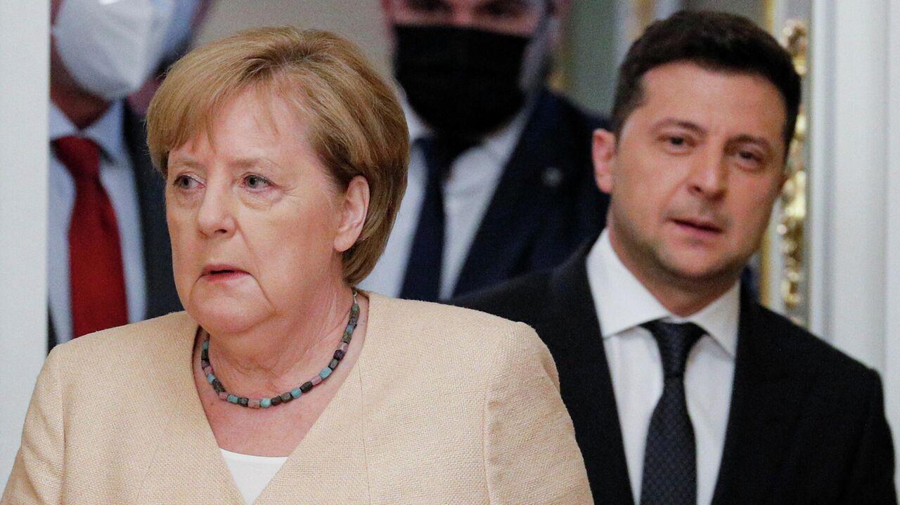"""""""Страх Европы"""": на Украине рассказали, как Меркель """"наплевала"""" на Киев"""