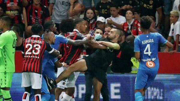 Потасовка во время матча Ницца - Марсель