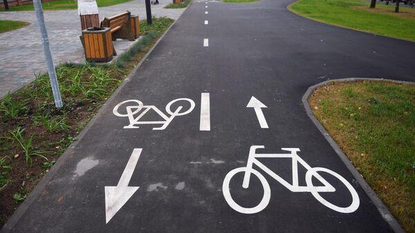 Велосипедная дорожка в парке Света в Москве
