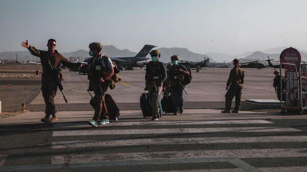 Подготовка к эвакуации в международном аэропорту Хамида Карзая в Кабуле