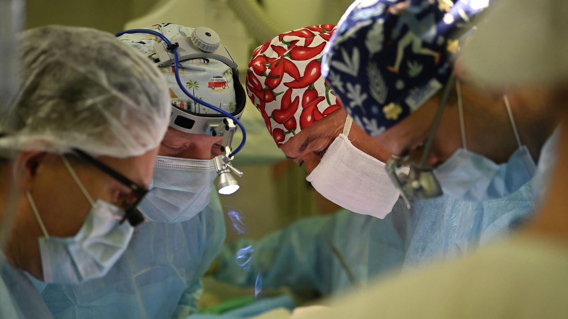 Российские онкологи заставили человеческий мозг функционировать вне тела