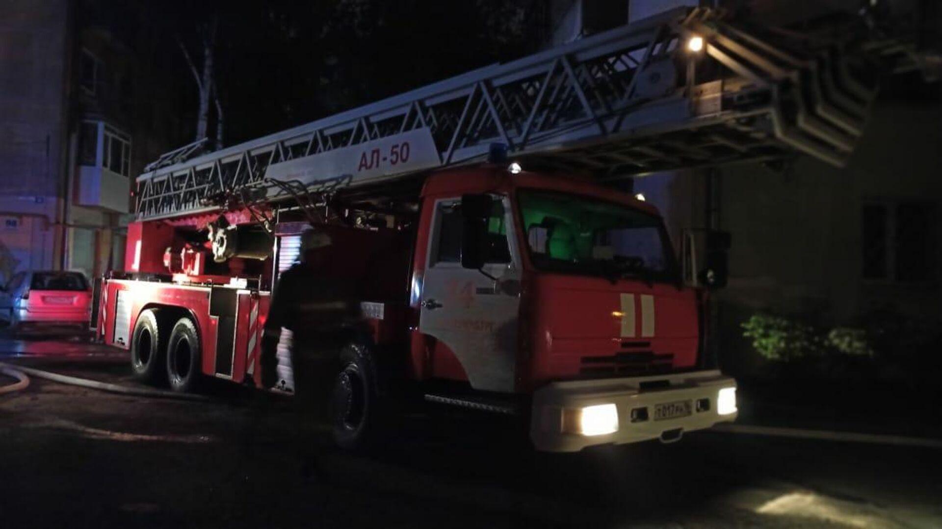 В центре Москвы загорелась квартира