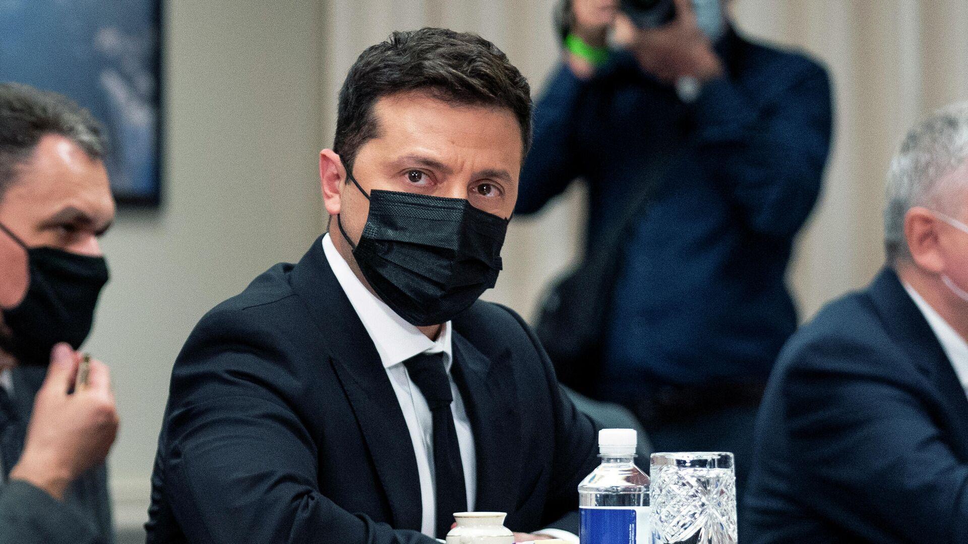 Депутат Рады Кузьмин: только второй срок спасет Зеленского от уголовного преследования