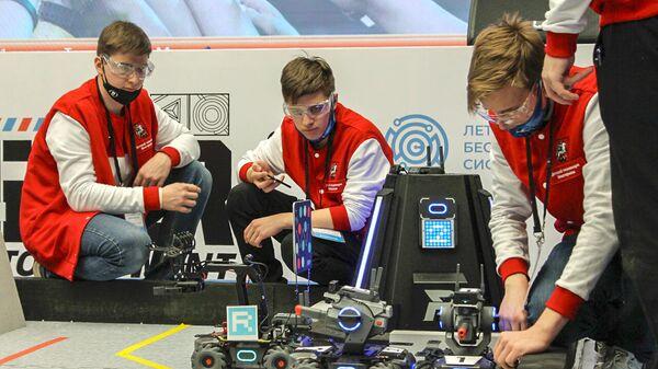 Более 350 программ обучения предлагают детские технопарки Москвы
