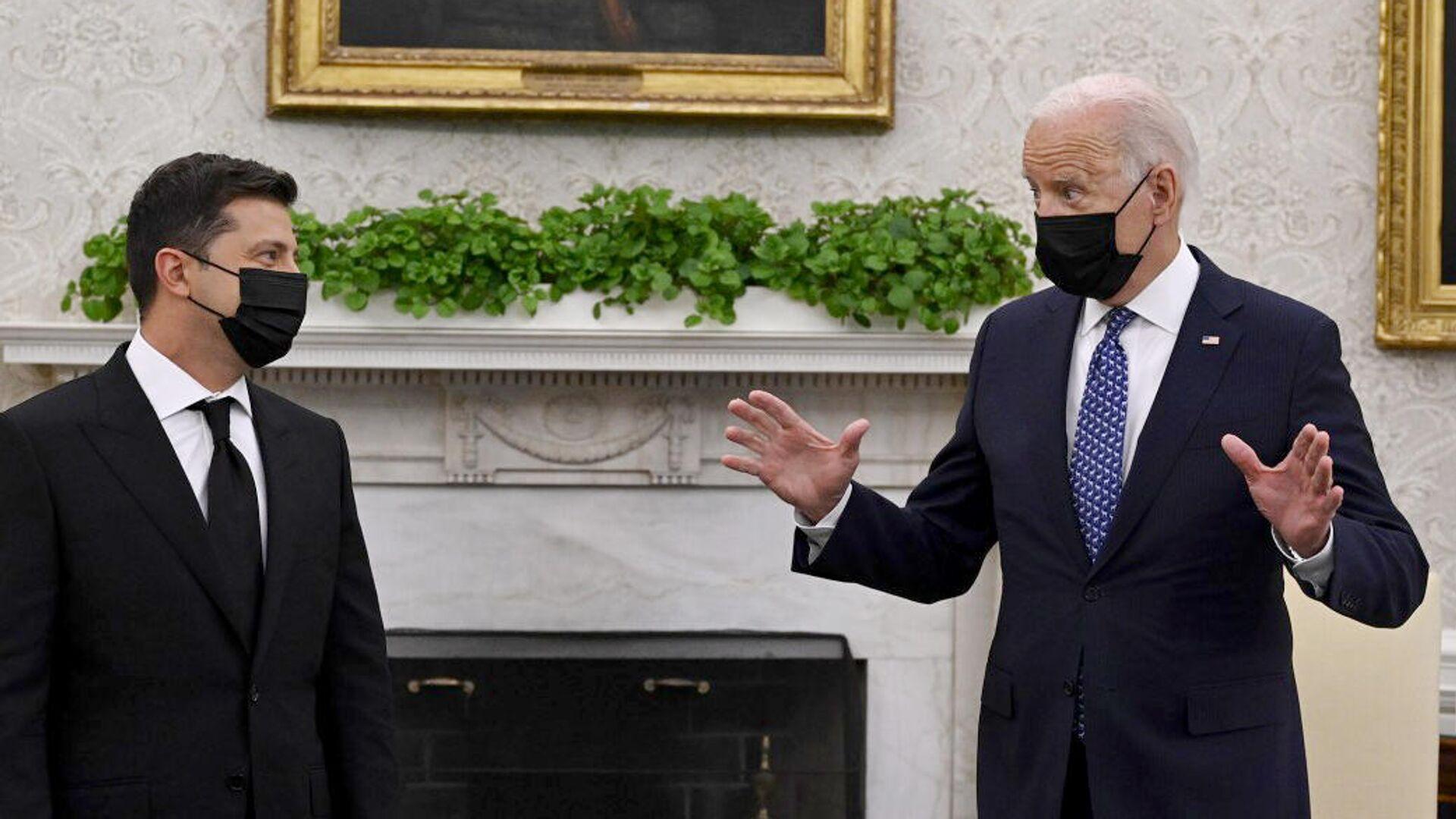 Американцы призвали Зеленского не ждать помощи Байдена после слов о войне с Россией