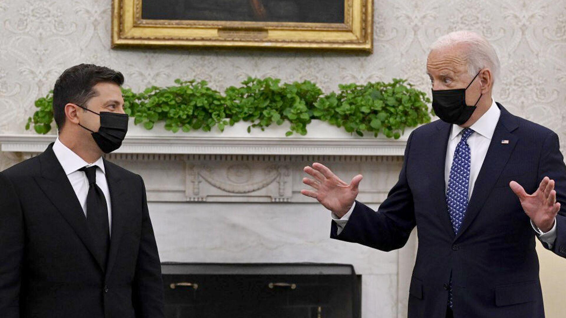 Президент Украины Владимир Зеленский и президент США Джо Байден во время встречи в Белом доме - РИА Новости, 1920, 05.09.2021