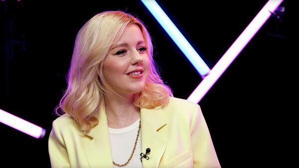 Кадр интервью Юлианны Карауловой YouTube-каналу YesNoYes