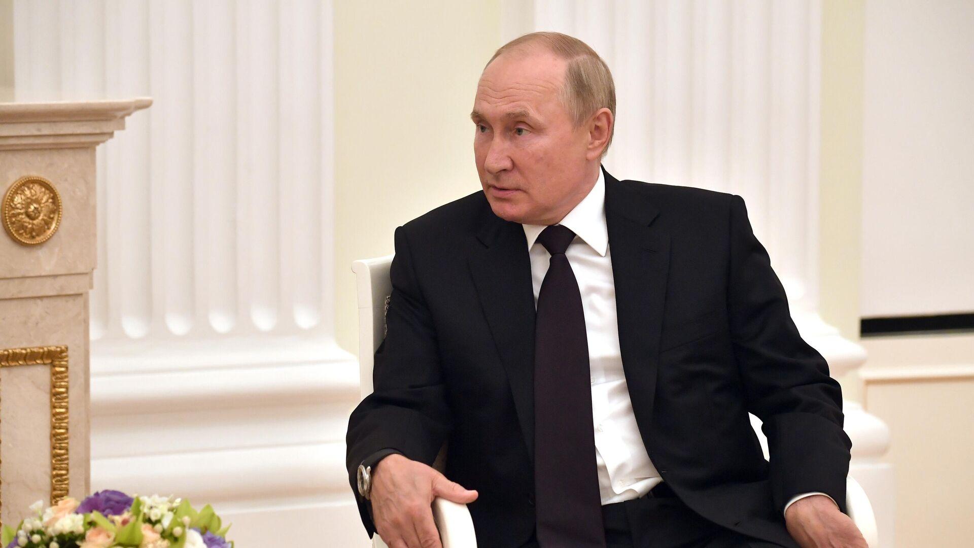 Президент РФ Владимир Путин во время встречи с президентом Белоруссии Александром Лукашенко - РИА Новости, 1920, 09.09.2021