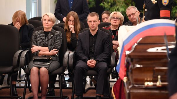 На церемонии прощания с трагически погибшим во время учений в Норильске главой МЧС Евгением Зиничевым