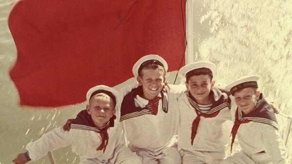 Яков Халип. Фотография Юнги. Юнги.1951 (?) представлена на выставке Первоцвет. Ранний цвет в российской фотографии.