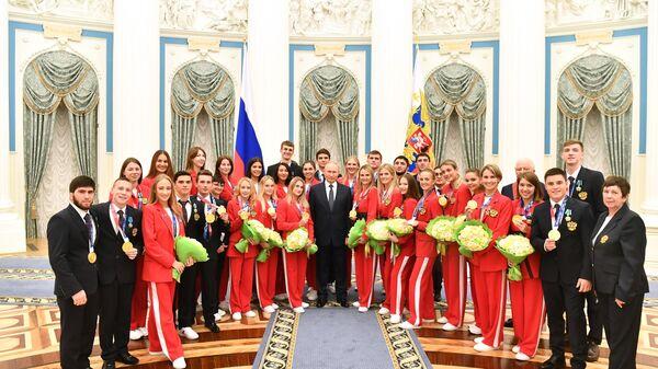 Президент России Владимир Путин на церемонии вручения государственных наград победителям и призёрами Игр XXХII Олимпиады 2020 года в г.Токио.