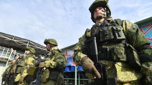 Российские военные показали на учениях вертолетную карусель