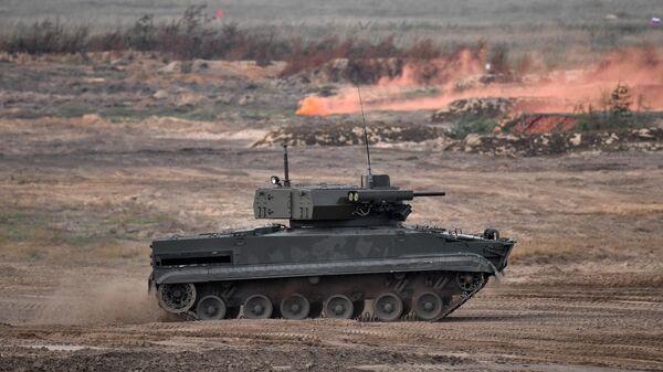 Боевая машина пехоты БМП-3 с дистанционно-управляемым боевым модулем Эпоха во время основного этапа учений Запад-2021 на полигоне Мулино
