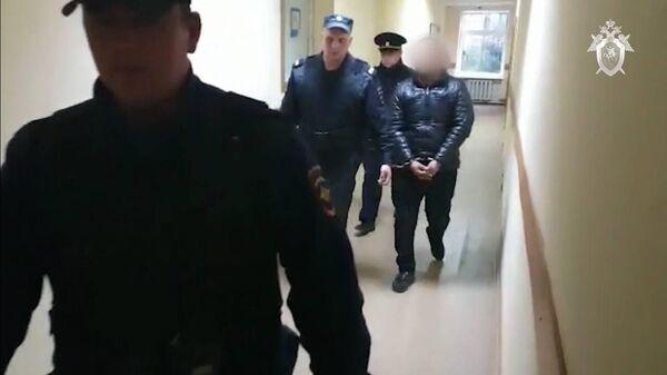 В Сергиевом-Посаде арестованы двое мужчин, обвиняемые в изнасиловании и убийстве пенсионерки. Кадр видео