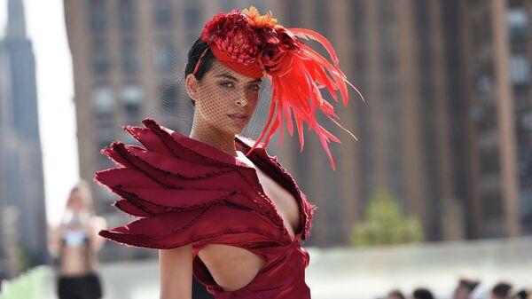 Показ новой коллекции Zipporaa на неделе моды Flying Solo в Нью-Йорке