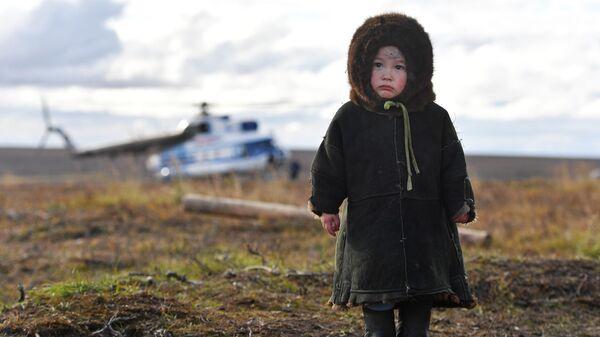 Ребенок в одном из поселков Ямало-Ненецкого автономного округа