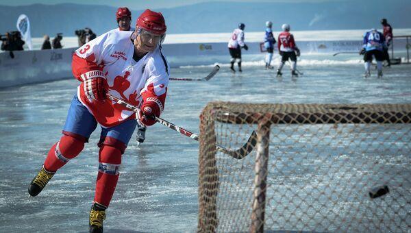 Выставочный матч Ночной Хоккейной Лиги на льду озера Байкал. Архив