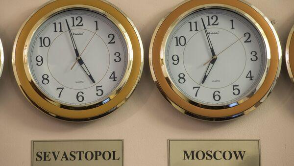 Часы, архивное фото