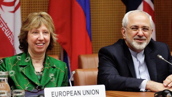 Министр иностранных дел Ирана Мохаммед Зариф и Верховный представитель Европейского союза по иностранным делам и политике безопасности Кэтрин Эштон