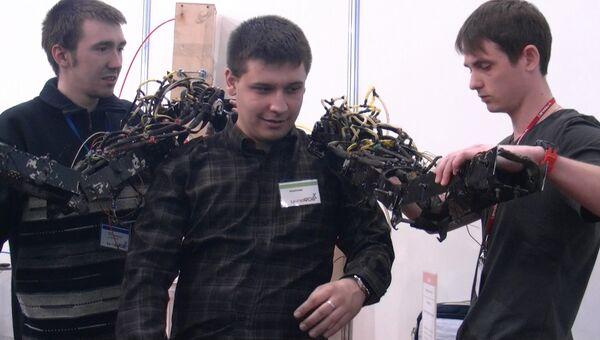 Макет экзоскелета, собранный студентами из Обнинска . Архивное фото