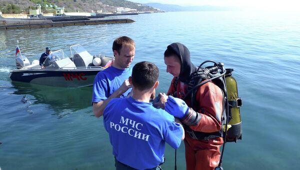 Очистка пляжей Крыма сотрудниками МЧС