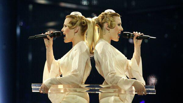 Российские участницы конкурса Евровидение-2014 сестры Анастасия и Мария Толмачевы на репетиции