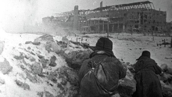 Бой на территории тракторного завода в Сталинграде, 1943 год, архивное фото